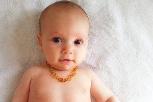 שרשרת ענבר לתינוק