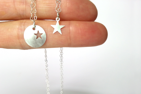 מתנה לאמא שרשרת כוכב מכסף מתנה לאמא ליום הולדת the charmer (1)