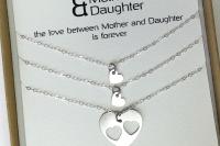 רעיון למתנה לאמא שרשרת לבבות מכסף מתנה לאמא ליום הולדת the char (2)